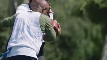 GEICO TV Spot, 'Flag Football with Jerome Bettis' - Thumbnail 7