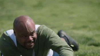 GEICO TV Spot, 'Flag Football with Jerome Bettis' - Thumbnail 9