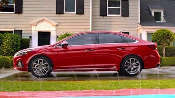 Hyundai Epic Summer Liquidación TV Spot, 'Pelea de agua' [Spanish] [T2] - Thumbnail 1
