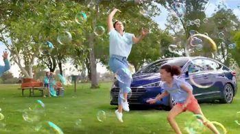 Hyundai Epic Summer Liquidación TV Spot, 'Pelea de agua' [Spanish] [T2] - Thumbnail 4