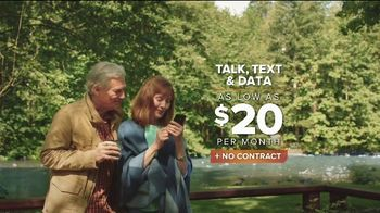 Consumer Cellular TV Spot, 'Cabin: First Month Free' - Thumbnail 4