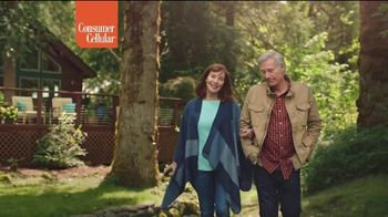 Consumer Cellular TV Spot, 'Cabin: First Month Free' - Thumbnail 6