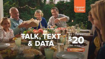 Consumer Cellular TV Spot, 'Sunday Dinner: Pass the Rolls' - Thumbnail 5