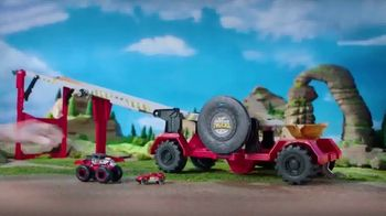 Hot Wheels Monster Trucks Downhill Race & Go Playset TV Spot, 'Take out the Competition' - Thumbnail 3