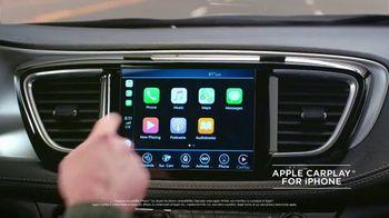 Chrysler Labor Day Sales Event TV Spot, 'Talking Van: Bad Parents' Song by Kelis [T1] - Thumbnail 1