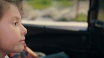 Chrysler Labor Day Sales Event TV Spot, 'Talking Van: Bad Parents' Song by Kelis [T1] - Thumbnail 4