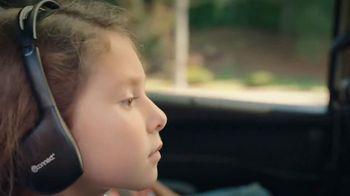 Chrysler Labor Day Sales Event TV Spot, 'Talking Van: Bad Parents' Song by Kelis [T1] - Thumbnail 7