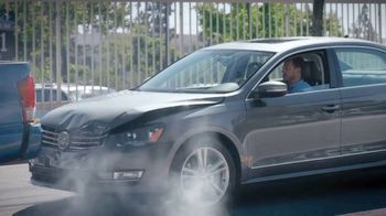 Allstate TV Spot, 'Mayhem: Tailgater' Featuring Dean Winters - Thumbnail 8