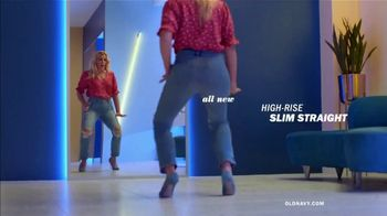 Old Navy High-Rise Slim Straight Jeans TV Spot, 'Tees, Jeans and Dresses' Featuring Busy Philipps - Thumbnail 3