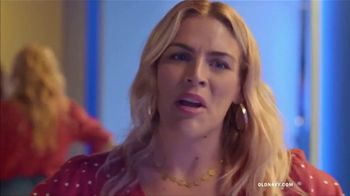 Old Navy High-Rise Slim Straight Jeans TV Spot, 'Tees, Jeans and Dresses' Featuring Busy Philipps - Thumbnail 8