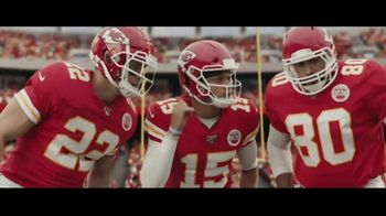 DIRECTV NFL Sunday Ticket TV Spot, 'A Better Way: Team Huddle' Featuring Patrick Mahomes - Thumbnail 1
