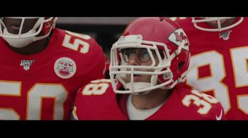 DIRECTV NFL Sunday Ticket TV Spot, 'A Better Way: Team Huddle' Featuring Patrick Mahomes - Thumbnail 4
