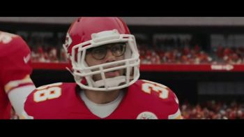 DIRECTV NFL Sunday Ticket TV Spot, 'A Better Way: Team Huddle' Featuring Patrick Mahomes - Thumbnail 5