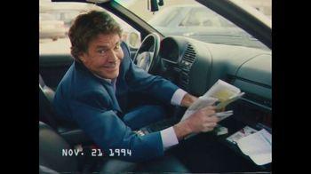 Esurance TV Spot, 'Stuck in the '90s' Featuring Dennis Quaid - Thumbnail 4