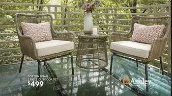 Ashley HomeStore Black Friday in July TV Spot, 'Breaking All the Rules: No Interest' - Thumbnail 6