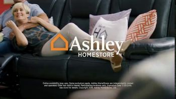 Ashley HomeStore Black Friday in July TV Spot, 'Breaking All the Rules: No Interest' - Thumbnail 8