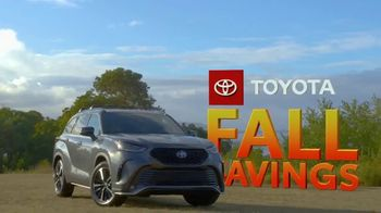Toyota Fall Savings TV Spot, 'Back in Washington: Highlander' Feat. Danielle Demski, Ethan Erickson [T2] - Thumbnail 7