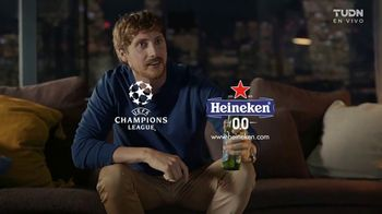 Heineken 0.0 TV Spot, 'UEFA Champions League: nunca mirar solo: temblor'  [Spanish] - Thumbnail 8