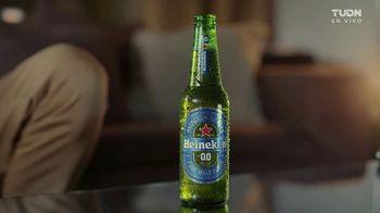 Heineken 0.0 TV Spot, 'UEFA Champions League: nunca mirar solo: temblor'  [Spanish] - Thumbnail 4