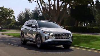 2022 Hyundai Tucson Plug-In Hybrid TV Spot, 'Let's Talk Electric' [T1] - Thumbnail 9