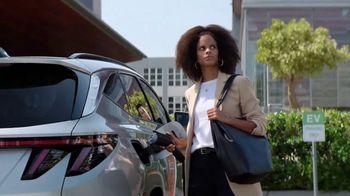 2022 Hyundai Tucson Plug-In Hybrid TV Spot, 'Let's Talk Electric' [T1] - Thumbnail 2