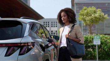 2022 Hyundai Tucson Plug-In Hybrid TV Spot, 'Let's Talk Electric' [T1] - Thumbnail 3