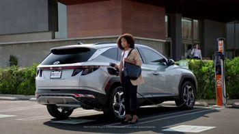 2022 Hyundai Tucson Plug-In Hybrid TV Spot, 'Let's Talk Electric' [T1] - Thumbnail 6
