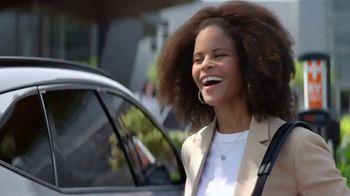 2022 Hyundai Tucson Plug-In Hybrid TV Spot, 'Let's Talk Electric' [T1] - Thumbnail 7