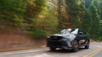Toyota TV Spot, 'When the Open Road Calls' [T2] - Thumbnail 10