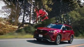 Toyota TV Spot, 'When the Open Road Calls' [T2] - Thumbnail 2