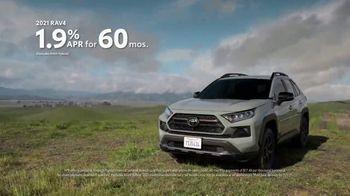 Toyota TV Spot, 'When the Open Road Calls' [T2] - Thumbnail 6