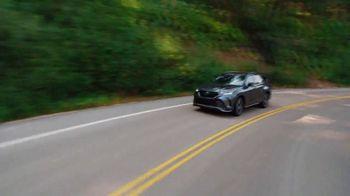 Toyota TV Spot, 'When the Open Road Calls' [T2] - Thumbnail 9