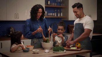 Head & Shoulders Dry Scalp Care Shampoo TV Spot, 'Familia ocupada' [Spanish]