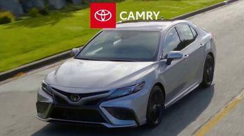 Toyota Fall Savings TV Spot, 'Back in Washington: Camry' Featuring Danielle Demski, Ethan Erickson [T2] - Thumbnail 3