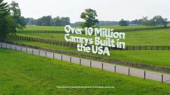 Toyota Fall Savings TV Spot, 'Back in Washington: Camry' Featuring Danielle Demski, Ethan Erickson [T2] - Thumbnail 5