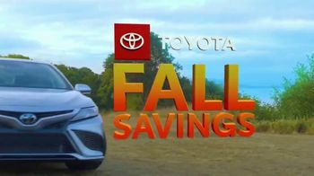 Toyota Fall Savings TV Spot, 'Back in Washington: Camry' Featuring Danielle Demski, Ethan Erickson [T2] - Thumbnail 7