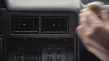 Febreze Car Vent Clip TV Spot, 'Olor de libertad' [Spanish] - Thumbnail 4