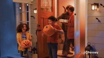 JCPenney Friends & Family Sale TV Spot, '50% Across the Store' - Thumbnail 3