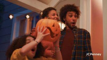 JCPenney Friends & Family Sale TV Spot, '50% Across the Store' - Thumbnail 5