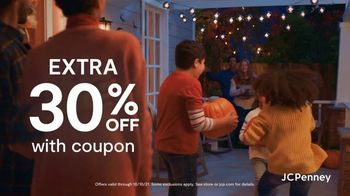 JCPenney Friends & Family Sale TV Spot, '50% Across the Store' - Thumbnail 6