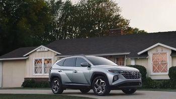 Hyundai Tucson TV Spot, 'Sábado futbolero: Cookies from abuela' [Spanish] [T1] - Thumbnail 9