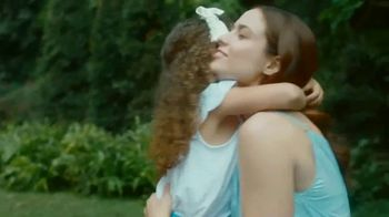 Nivea Essentially Enriched Body Lotion TV Spot, 'Happy Hour' - Thumbnail 8