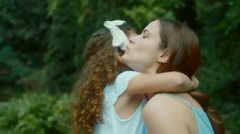 Nivea Essentially Enriched Body Lotion TV Spot, 'Happy Hour' - Thumbnail 9