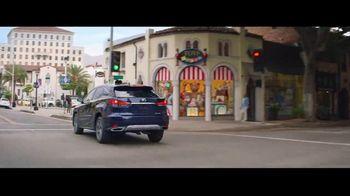 2022 Lexus RX TV Spot, 'Maximalist' [Spanish] [T2] - Thumbnail 6