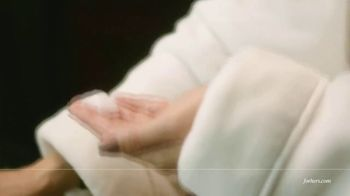 hers TV Spot, 'Hair Regrowth Treatment' Featuring Jennifer Lopez - Thumbnail 4