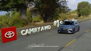Toyota Fall Savings TV Spot, 'Back on the Road: AWD' Featuring Danielle Demski, Ethan Erickson [T2] - Thumbnail 4