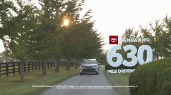 Toyota Fall Savings TV Spot, 'Back on the Road: AWD' Featuring Danielle Demski, Ethan Erickson [T2] - Thumbnail 5