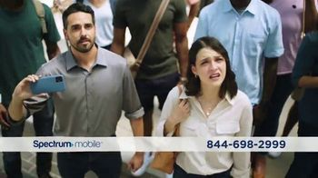 Spectrum Mobile Plan Ilimitado TV Spot, 'Desfile' [Spanish]