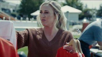 Progressive TV Spot, 'Baker Mayfield Holds a Yard Sale' Featuring Jedrick Wills Jr. - Thumbnail 3
