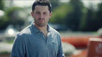 Progressive TV Spot, 'Baker Mayfield Holds a Yard Sale' Featuring Jedrick Wills Jr. - Thumbnail 4